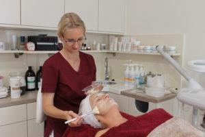 Gesichtsbehandlung: Gesichtsmaske